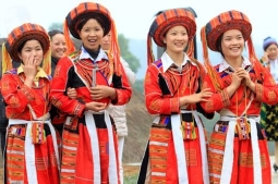 Pa-Then-people-who-often-live-along-streams-in-valleys-or-low-mountains-in-Ha-Giang-and-Cao-Bang
